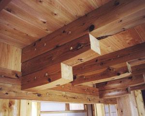 肘木による架構